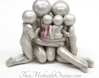 Family of Six sculpture with twinless twins, two angel babies or rainbow baby -  handmade gift for pregnancy and infant loss - made to order