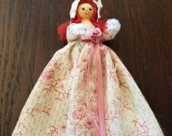 Adorable Vintage Clothespin Doll