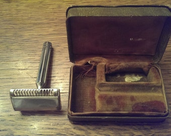 Vintage Men's Ever-Ready Razor in original box
