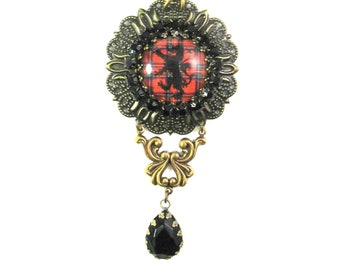 Scottish Tartan Jewelry Royal Stewart Lion Rampant Filigree Medallion Kilt Pin Brooch w/Black Rhinestone Cup Chain & Onyx Black Teardrop