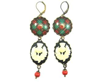 Romantic Jewelry Tartan Earrings Bruce Hunting Clan Tartan Thistle Cameo Earrings w/Coral Red Swarovski Crystal Pearls
