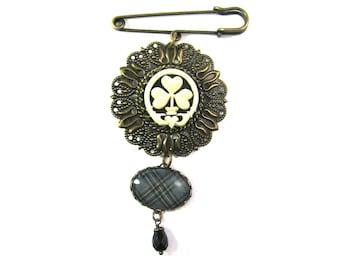 Irish Tartan Jewelry Kelly Clan Tartan Filigree Medallion Claddagh Cameo Kilt Pin Brooch w/Onyx Black Czech Glass Teardrop Bead