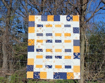 Heirloo Charm Box Quilt in Cheddar and Indigo