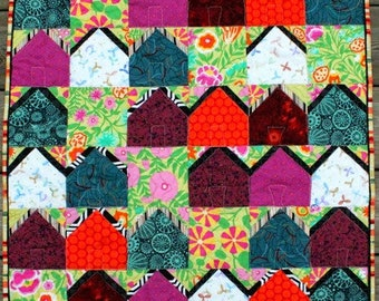 Tiny Ticky Tacky Houses Quilt - Wall Hanging - FREE SHIPPING