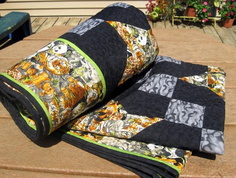 Patchwork Lap Quilt Blanket Throw Heirloom Starry Nines in image 1