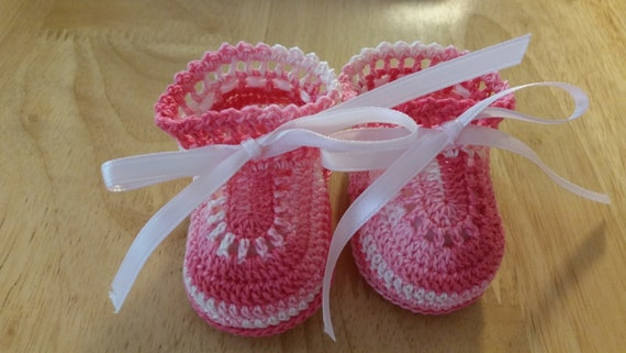 29c0bfff351af Baby Girl Booties Shaded Pink Crochet Booties Christening Baby Shoes  Newborn Girl Reborn Doll Baptism Baby Shower Gift Newborn Baby Shoes