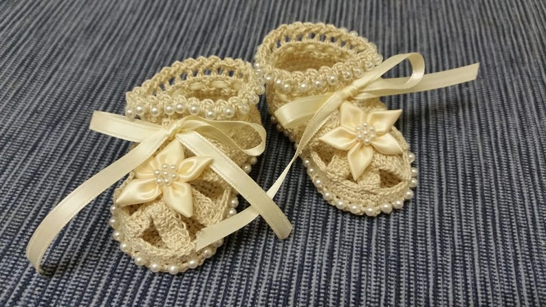 5571fe995d4f0 Baby Booties Baby Girl Booties Christening Baby Shoes Christening Crochet  Booties Cream Flowers Pearls Newborn Girl Reborn Baby Shower Gift