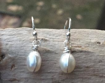 Pearl Drop Earrings, Pearl Earrings, Wedding jewelry, Pearl Bridesmaid earrings, Pearl Dangle, Lever back, lever backs, Bridal earrings