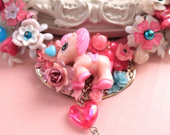 Kawaii Poney Pony Horse Necklace with Bow in Pink Lolita fairy kei decoden OOAK