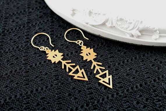 Golden  arrows earrings filigree geometric modern ethnic boho