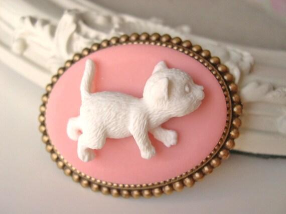 Hair Clip kawaii fairy kei lolita accessory white kitty cat cameo kanzashi PINK