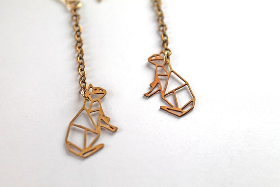 Golden cat kitty kitten earrings filigree geometric
