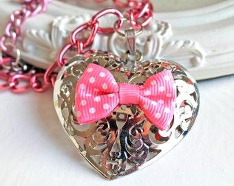 Kawaii lolita filigree heart and pink bow necklace