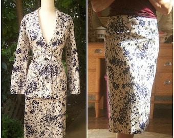 70's dress suit / leaf print ivory navy 2-piece skirt + blazer, unique dress set, pencil skirt, matching jacket, medium, 39 bust, 32 waist