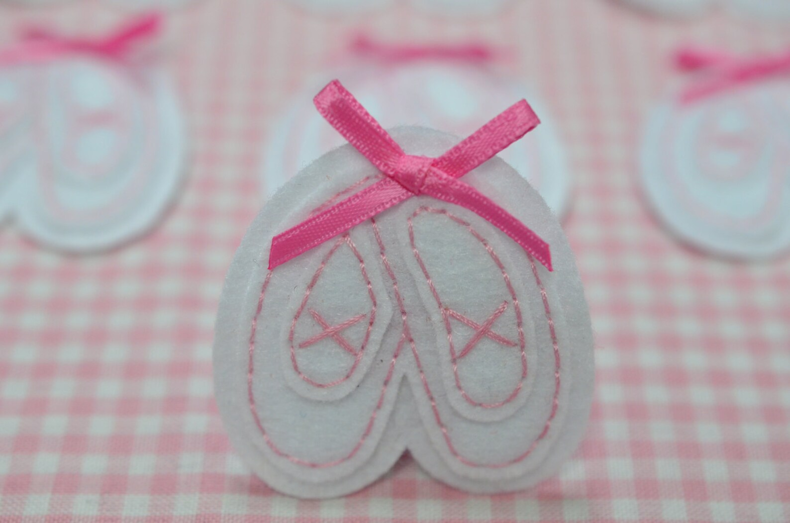 new! set of 6pcs handmade felt ballet shoes--white (ft1018)