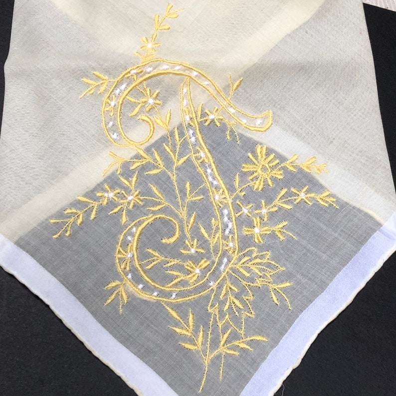 Lavender Sachet Made from an Initial T Vintage Yellow and White Handkerchief Bridal Wedding Bridesmaid Party Housewarming Hostess Gift