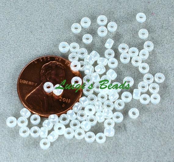 11//0 Round Toho Japanese Glass Seed Beads #141 Ceylon Snowflake 10 grams