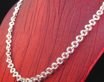 Chainmaille Rosettes Sterling Silver 18 inch Necklace
