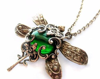 Dragonfly necklace, Dragonfly pendant necklace,  dragonfly jewelry, emerald green insect necklace, filigree jewelry, Art Nouveau, Victorian