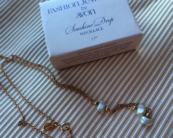 Vintage Avon New in Box Goldtone Beads and Simulated Pearls Seashine Necklace
