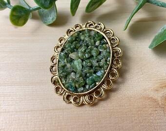 Vintage 70's jade green stone brooch