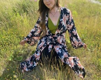 Dark floral boho kimono robe, dressing gown, floaty - UK 10-12