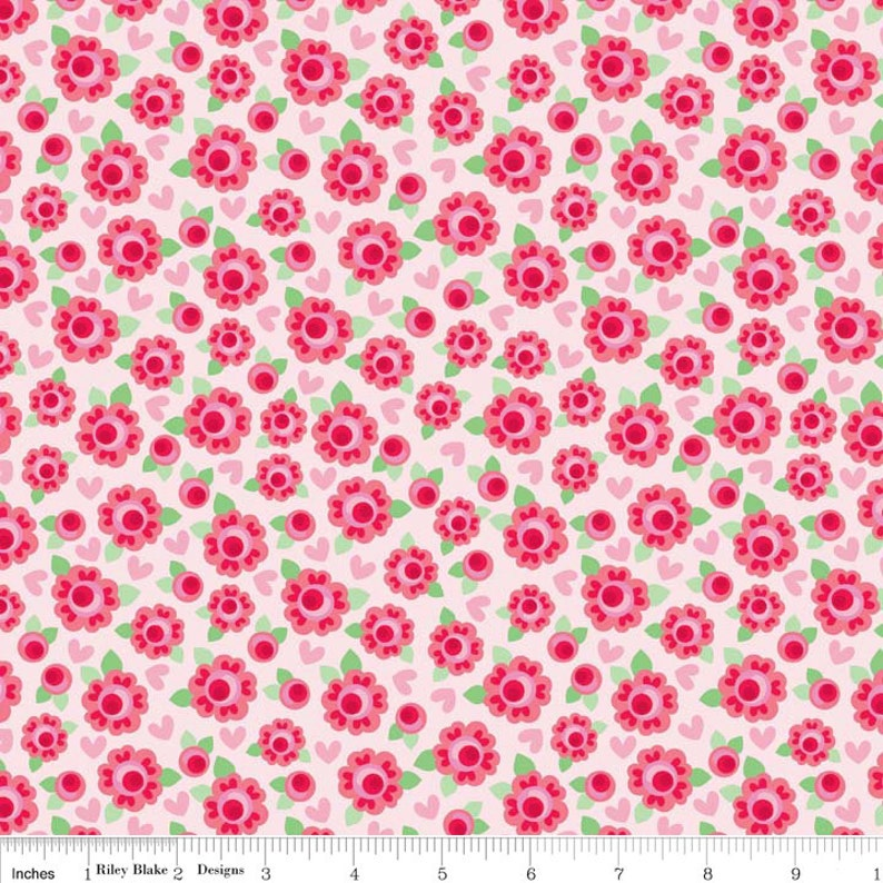 SALE 1 yard FLANNEL Lovey Roses Red Pink flowers fabric from image 0