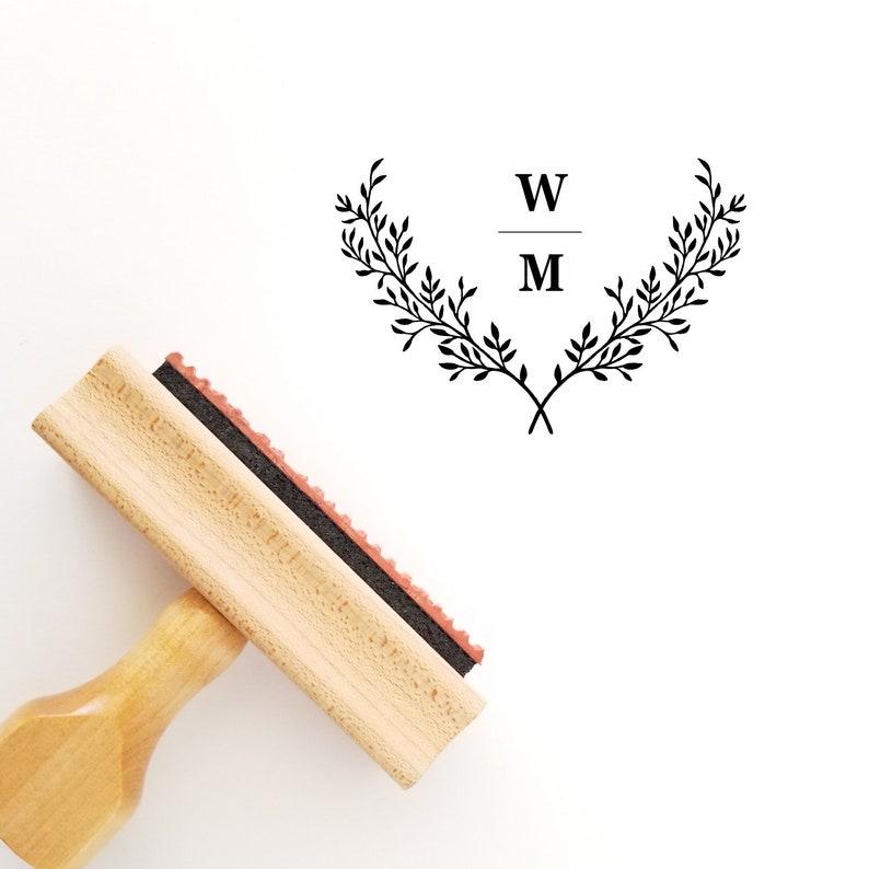 Wedding Rubber Stamping.Wedding Wreath Rubber Stamp Wood Handle Or Self Inking Botanical Favor Stamper Ws426