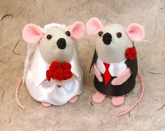 Mr and Mrs Mouse the Bridal Pair (T)  - International shipping