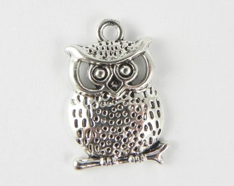 6 Owl Charms in Antique Silver - 26mm x 17mm