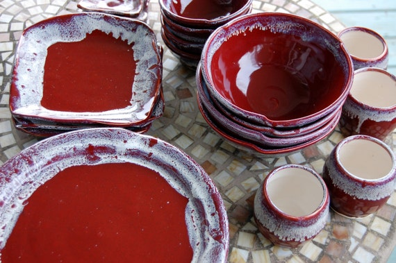 & Eclectic Dinnerware Set of 6 Place Settings in Red Agate