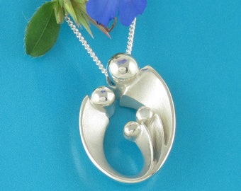 Mom of Three Children, Mother's Pendant with Chain, Silver Family of Four Necklace, Gifts for Mom, Mother Jewelry, Loved by Moms of All Ages