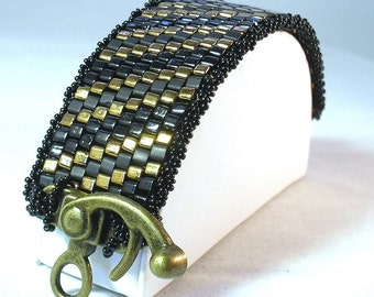 Chunky Cubes Steampunk Beaded Bracelet - peyote stitch TUTORIAL INSTRUCTIONS ONLY - diy jewelry design by Hannah Rosner