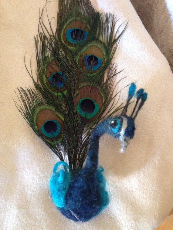 Peacock hat pin or brooch with peacock accent feathers