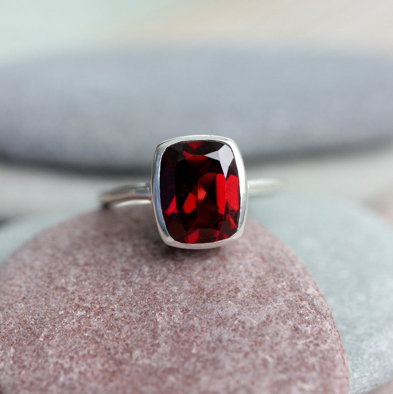 cushion garnet ring red garnet january birthstone ring for. Black Bedroom Furniture Sets. Home Design Ideas