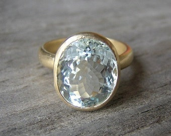Gold Aquamarine Ring, 14k Yellow Gold , Oval Stone Ring,  Blue Emerald Gemstone Ring, March Birthstone, Eco Friendly
