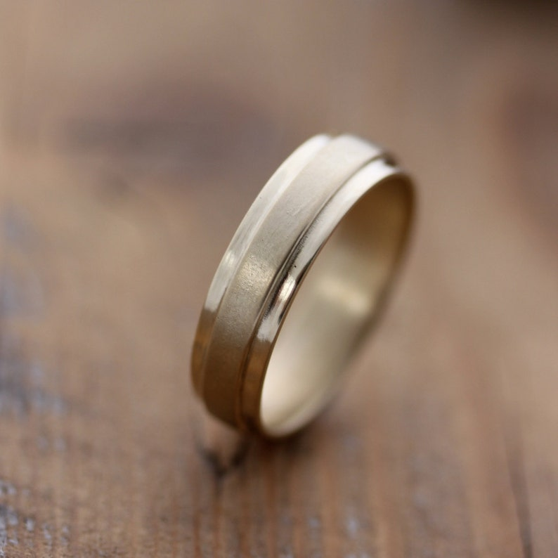 14k Yellow Gold Men's Wedding Band Slate Band RIng in image 0