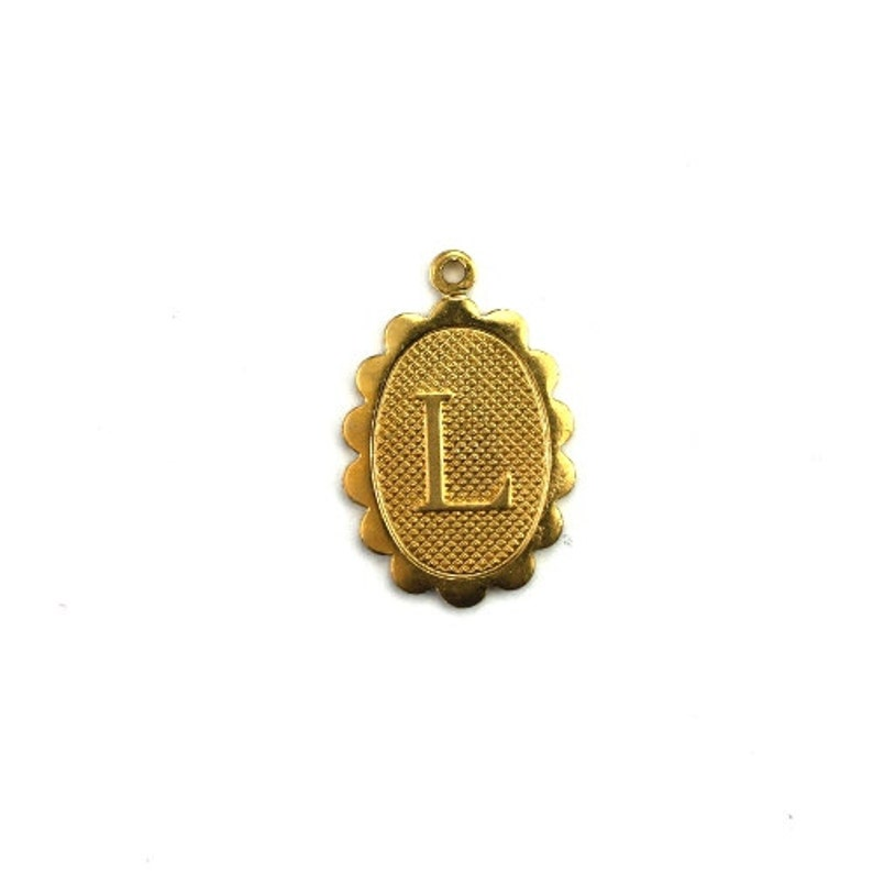 Letter L Initial Charm Scalloped Oval Raw Brass 4 CP267 image 0