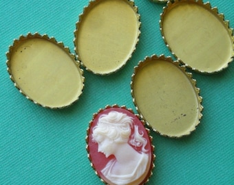 6 Vintage Raw Brass 18x13mm cameo or cabochon settings VFI029