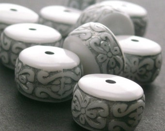 Vintage Plastic Ornate Beads Silver and White Wheel Rondelle (12) VPB024