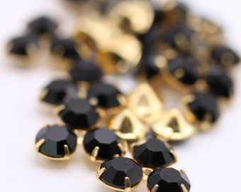 Vintage Rhinestone in Prong Setting Findings Crystal Stones Jet Black Gold Plated 3 Stone Set (4) VS077