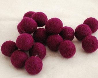 10 Felt Balls - 3cm - Plum Purple