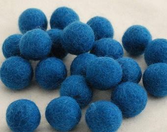 10 Felt Balls - 3cm - Pale Ultramarine Blue