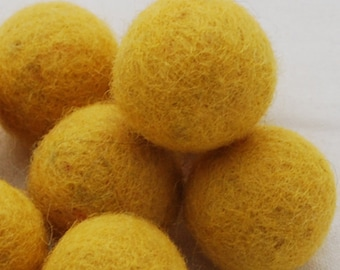 10 Felt Balls - 3cm - Mustard Yellow
