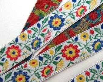 SPRINGTIME FLORAL Jacquard trim. Red, blue, yellow, green, on white. Sold by the yard. 3/4 inch wide. 873-A Bavarian dress trim