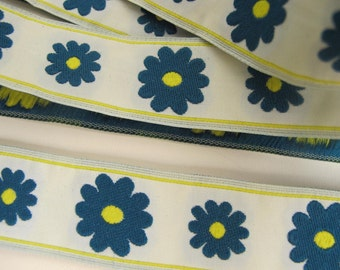 DAISY fabric Jacquard trim in teal, lemon yellow, on very pale celadon green. Sold by the yard. 1 inch wide. 902-A Floral trim