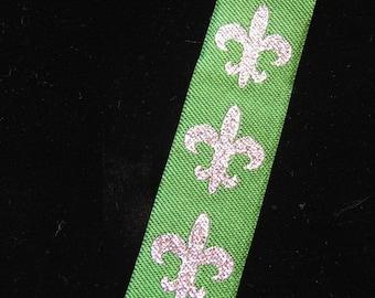 FLEUR DE LIS Jacquard trim. Silver on emerald green. Sold by the yard. 1 inch wide. 289-C. Fleur de Lys. fleur de lis