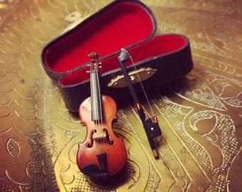 Miniature Violin World's Smallest Violin Bow Violin Case Tiny Violin Miniature Musical Instrument Doll Violin Replica