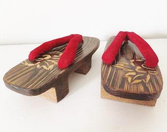 Vintage Japanese Sandals Geisha Style Red Asian Shoes Maiko Geta Shoes Raised Flip Flops Asian Shoes Mid Century Japanese Decor Retro Geisha