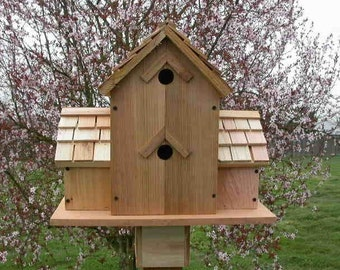CEDAR BIRDHOUSE With 6 COMPARTMENTS round holes